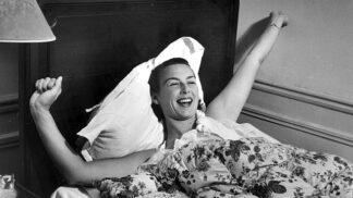 10 malých pastí na sebe, díky kterým ráno vytančíte z postele