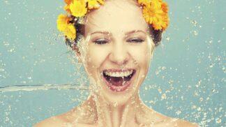 Péče o suchou pokožku: Jak ji hydratovat, rozzářit a zbavit nepříjemného ekzému?