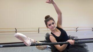 Američanka (15) porazila rakovinu kosti a znovu exceluje na tanečním parketu – s nohou přišitou obráceně