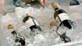 4 triky, jak do čtvrt hodiny vychladit víno
