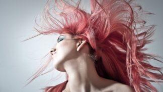 Tato barva na vlasy se mění v závislosti na teplotě. Podívejte se