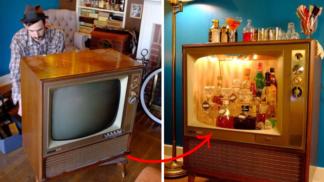 Tento pár si vyrobil bar z šedesátkové televize