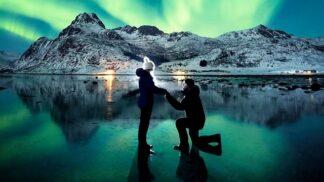 Polární záře proměnila zásnuby v magický okamžik. Poté, co partnerka omylem vyhodila prsten za sto tisíc