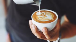Osolte svůj šálek kávy a z uvolněného aromatu se vám podlomí kolena, vzkazují vědci