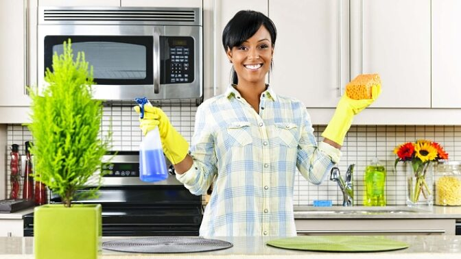 13 super levných triků na úklid domácnosti, které vám navíc ušetří hodiny času
