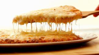 """Podívejte se na nejdelší pizzu na světě, s níž Američani """"vyfoukli"""" prvenství Italům"""