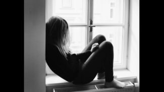 """Deprese mileniálů: """"Plyne z nelítostného pracovního trhu i sledování youtuberů,"""" říká psycholožka"""