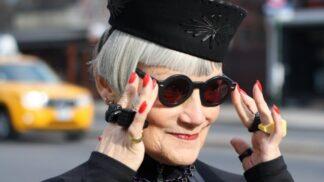 Módní ikonou po šedesátce: newyorský fotograf zachycuje trendy babičky, inspiroval i Marca Jacobse