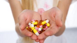 Antidepresiva mohou zvýšit riziko sebevraždy. Farmaceutické firmy mlží příčiny úmrtí, odhalil přezkum
