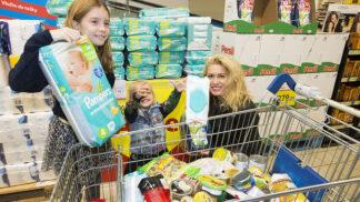 Zákazníci v obchodech Tesco věnovali rekordních 127 tun potravin lidem v nouzi