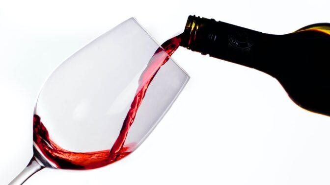Skvělá zpráva! Experti zkoumali pravidelné konzumentky vína, výsledky vás nadchnou