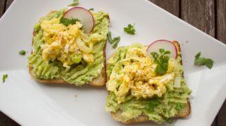 Rychle a chutně: 5 receptů na královskou snídani, kterou zvládnete za pět minut