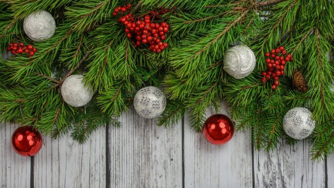 Kdo instaluje vánoční výzdobu brzy, je šťastnější, zjistili vědci