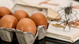 Víte, jak správně skladovat vajíčka? Do dveří lednice nepatří! # Thumbnail