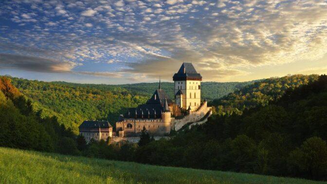 Dnes uběhlo přesně 662 let od slavnostního otevření Karlštejna. Jak tenkrát tato velkolepá událost probíhala?
