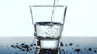 Teplá voda, zázračný lék: Proč byste ji měli pít každý den