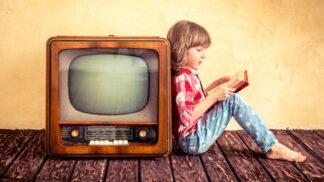 Když se knihy mění v obrazy: Které filmové či seriálové adaptace se o přízeň diváků ucházejí v letošním roce?