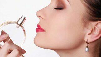Ikonické parfémy jara: Vsaďte na klasiku, svěží květinovou vůni i nadčasový orient