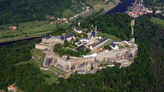 Navštivte největší vojenskou pevnost a hrad v Evropě. Pevnost Königstein leží jen kousek za hranicemi