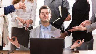 Stále online: Jak se zvyšuje riziko závislosti zaměstnanců na chytrém telefonu?