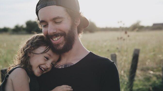 Muži na rodičovské dovolené: Která slavná herečka tento status považuje za sexy záležitost?