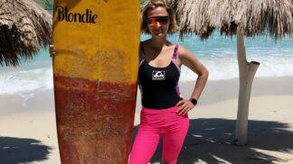 Zpěvačka se snowboardistkou na Bali: Poláková se Samkovou natáčí nový klip k písni Poď si