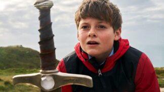Film pro milovníky artušovských legend: Skupina dětí se snaží zmařit středověkou hrozbu
