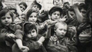 10 hrůzných faktů o továrně na smrt v Osvětimi, kde bylo zavražděno přes 1,3 milionu lidí