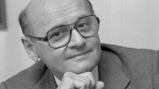 Legendární režisér Oldřich Lipský by letos oslavil 95. narozeniny: Podívejte se na unikátní kostýmy a fotografie z jeho věhlasných komedií
