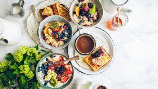Dietní záškodníci: Pozor na ovoce po ránu a kofein