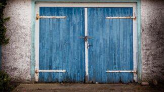 Historie garáží: Víte, že vznikly kvůli koňskému zápachu?