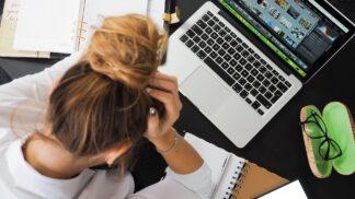 Škodlivé vlivy workoholismu: Proč kvůli němu ztloustnete a přivodíte si chronický stres? # Thumbnail