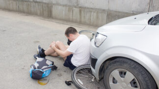 Cyklistická sezóna je tu: Co dělat, když způsobíte nehodu, abyste neplatili miliony? # Thumbnail