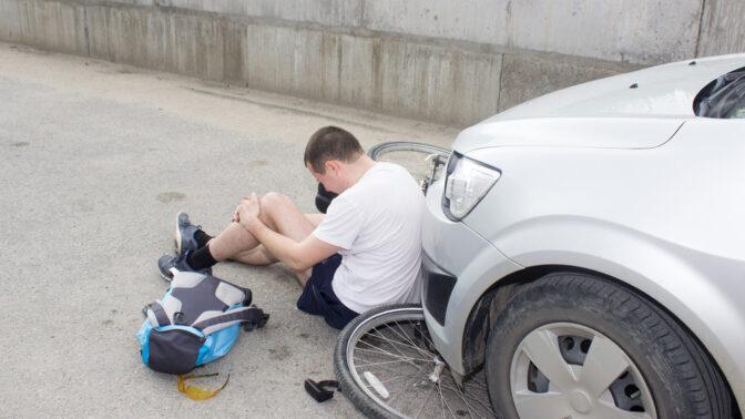 Cyklistická sezóna je tu: Co dělat, když způsobíte nehodu, abyste neplatili miliony?