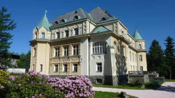 Kramářova vila, sídlo premiérů: Krušná tajemství ukrytá za jejími zdmi