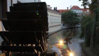 Nejlepší legendy staré Prahy: Loupežníci číhali v centru, přízraky řádily v hostinci Na Bělohradě