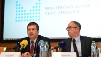 Ministerstvo vnitra vstupuje do 21. století a rozjíždí digitalizaci naplno: Většinu základních věcí brzy vyřídíte pohodlně přes internet