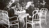 Thumbnail # Tajný život Masaryka: Jeho srdce patřilo dvěma ženám, kromě manželky i básnířce Oldře