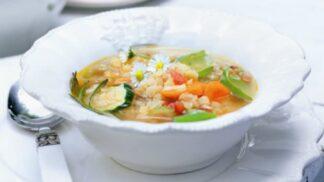 Jak uvařit rychlý zeleninový vývar jako od babičky