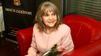 Zemřela zpěvačka Eva Pilarová. S muži zažívala peklo, lásku našla až u toho posledního
