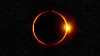 Úplné zatmění Slunce srazilo výrobu solární energie v Chile na polovinu