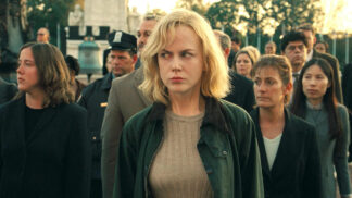 Sci-fi Invaze: Původní režisér byl odvolán a film přetočen, Nicole Kidman byla při natáčení zraněna # Thumbnail