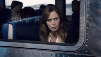 Thriller Dívka ve vlaku: Hlavní hrdinka Emily Blunt tajila při natáčení těhotenství
