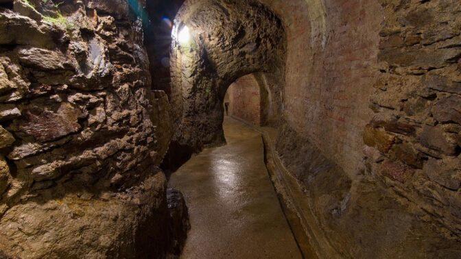 Jihlavské podzemí: Stíny mrtvých a tajemná světélkující chodba lákají milovníky záhad