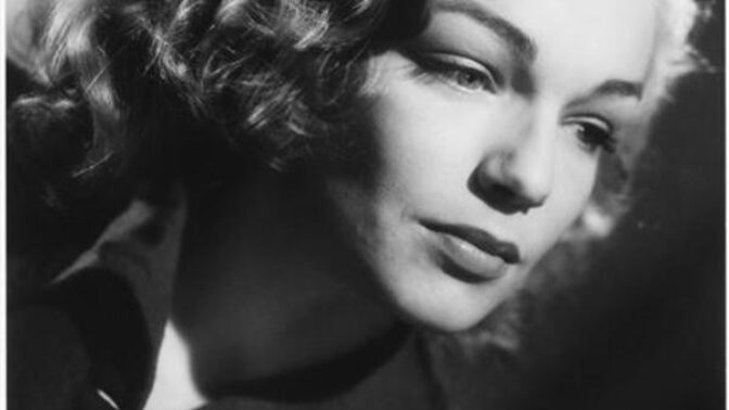 34 let od smrti herečky Simone Signoret: Měla slabost pro Delona, vyfoukla Oscara Katharine Hepburn