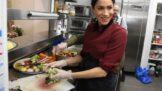 Jídelníček Meghan Markle: Vsaďte na drahé, ale občas i podivné vegetariánské pokrmy