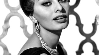 Thumbnail # Sophia Loren: Ani v 71. letech neváhala ukázat svoji krásu v kalendáři Pirelli…
