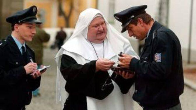 Tajemství Babovřesk: Troška dostal zákaz obsadit okoukané tváře, Glazar tak ostrouhal