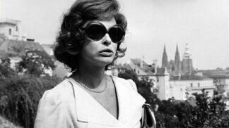 Krásné herečce Ireně Kačírkové by bylo 95 let: Zamiloval se do ní Šlitr, ke konci života trpěla obrovskými bolestmi # Thumbnail