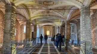 Mrazivá kaple v portugalské Évoře: Visí tu mumie pachatelů domácího násilí